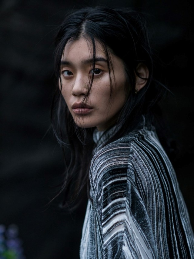 Vogue_China-January_2016-Ming_Xi-by-Gilles_Bensimon-08.jpg