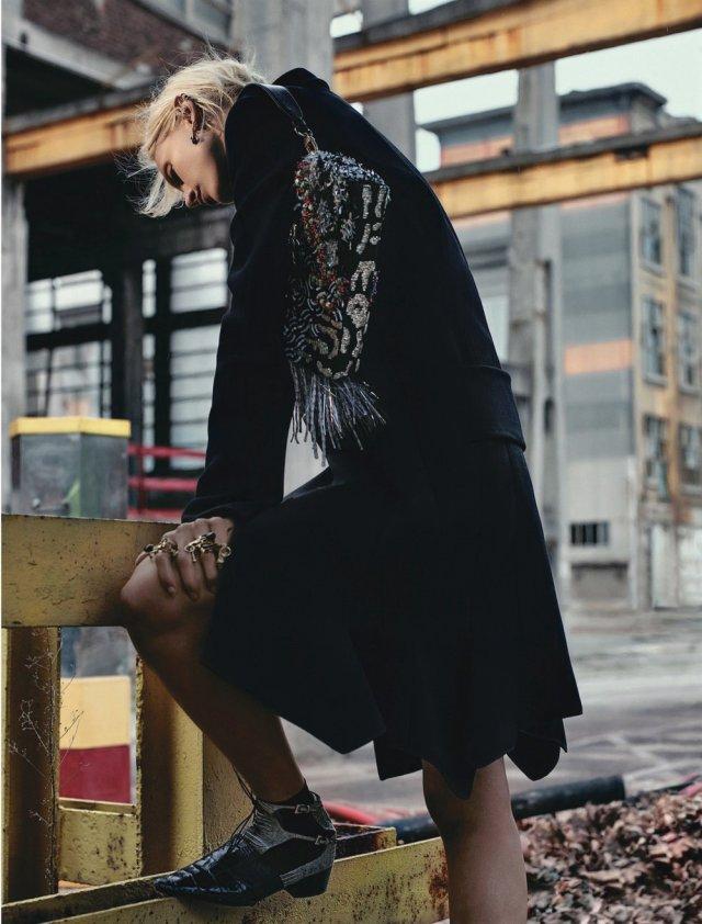 Dior Magazine FW 2016 - aymeline-valade- (5).jpg