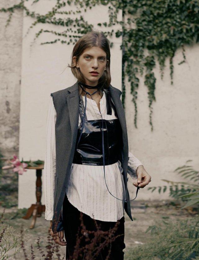 Amica Italia Nov 2016 - Caterina-Ravaglia-Fany-Latour-Lambert- (11).jpg