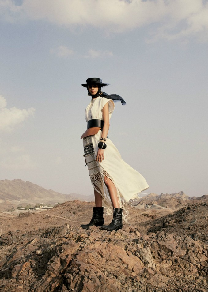 Malika-El-Maslouhi-Vogue-Arabien-april-2019- (8) .JPG