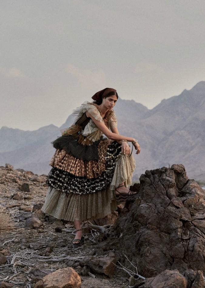 Malika-El-Maslouhi-Vogue-Arabien-april-2019- (9) .JPG
