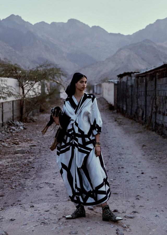 Malika-El-Maslouhi-Vogue-Arabien-april-2019- (2) .JPG