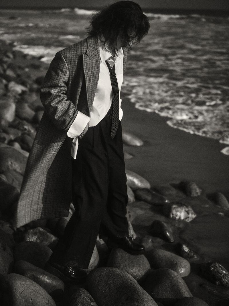 Milla Jovovich by Yulia Gorbachenko to Vogue Russia (5).jpg