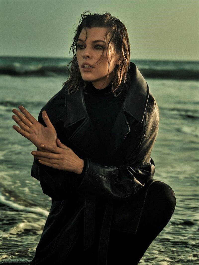 Milla Jovovich by Yulia Gorbachenko to Vogue Russia (1).jpg
