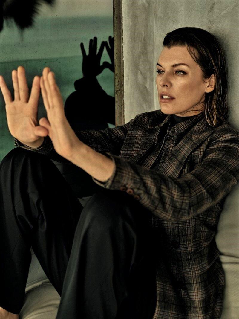 Milla Jovovich by Yulia Gorbachenko to Vogue Russia (7).jpg